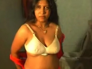 Gallery 186. Indian housewife showing her large boobs in shower