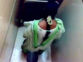 Gallery 231. Mature aunty cought in toilet