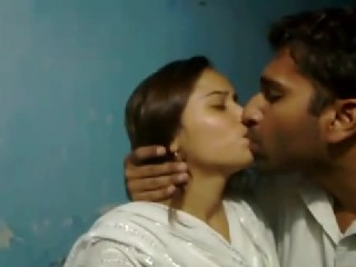 Gallery 354. Indian college couple kissing each other cought by hiddencams.
