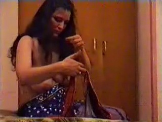 Gallery 459. Arab belly dancer shaking her voluminous boobs