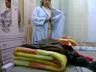 Gallery 552. Nargis bhabhi from kolkata caught changing after
