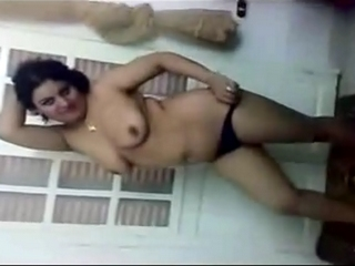 Gallery 562 Pakistani housewife naked in lounge.