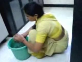 Gallery 595. Kaamwali bai ki secretly filmed video