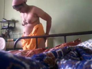 Gallery 901. Mature bhabhi changing after shower