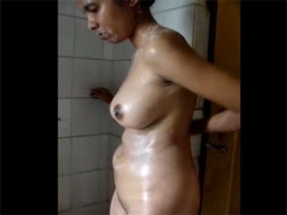 Gallery 1002. Indian college babe self recorded shower video
