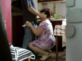 Gallery 1076. Mature bhabhi from goa seducing young college boy