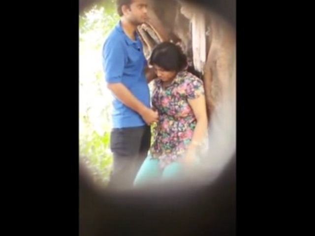 Gallery 1101. Agartala couple in public park girlfriend giving suc