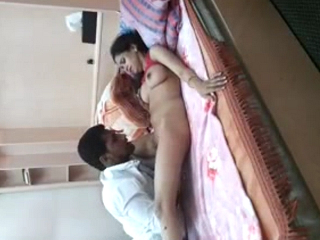 Gallery 1117. Indian aunty lying naked getting her pussy finger fuck by her partner
